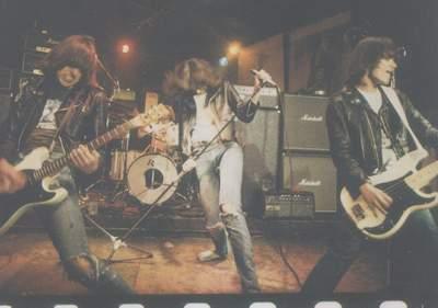 Ramones1_1